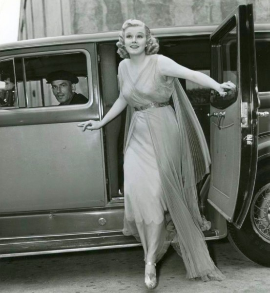 jean harlow 052937a entering mgm stage 9