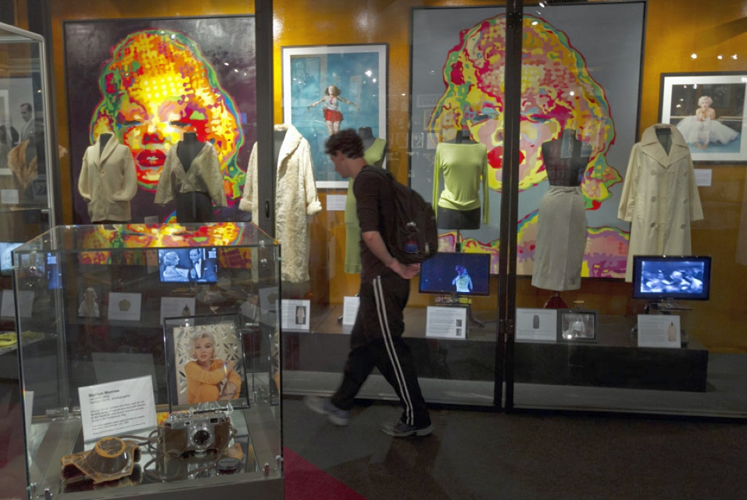 hollywood museum marilyn monroe exhibit 00