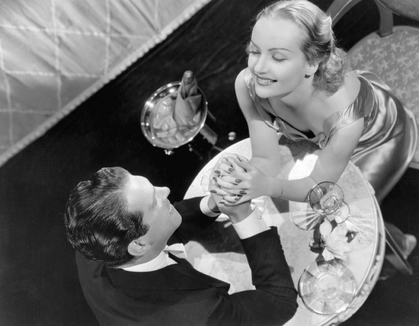 carole lombard hands across the table 00a
