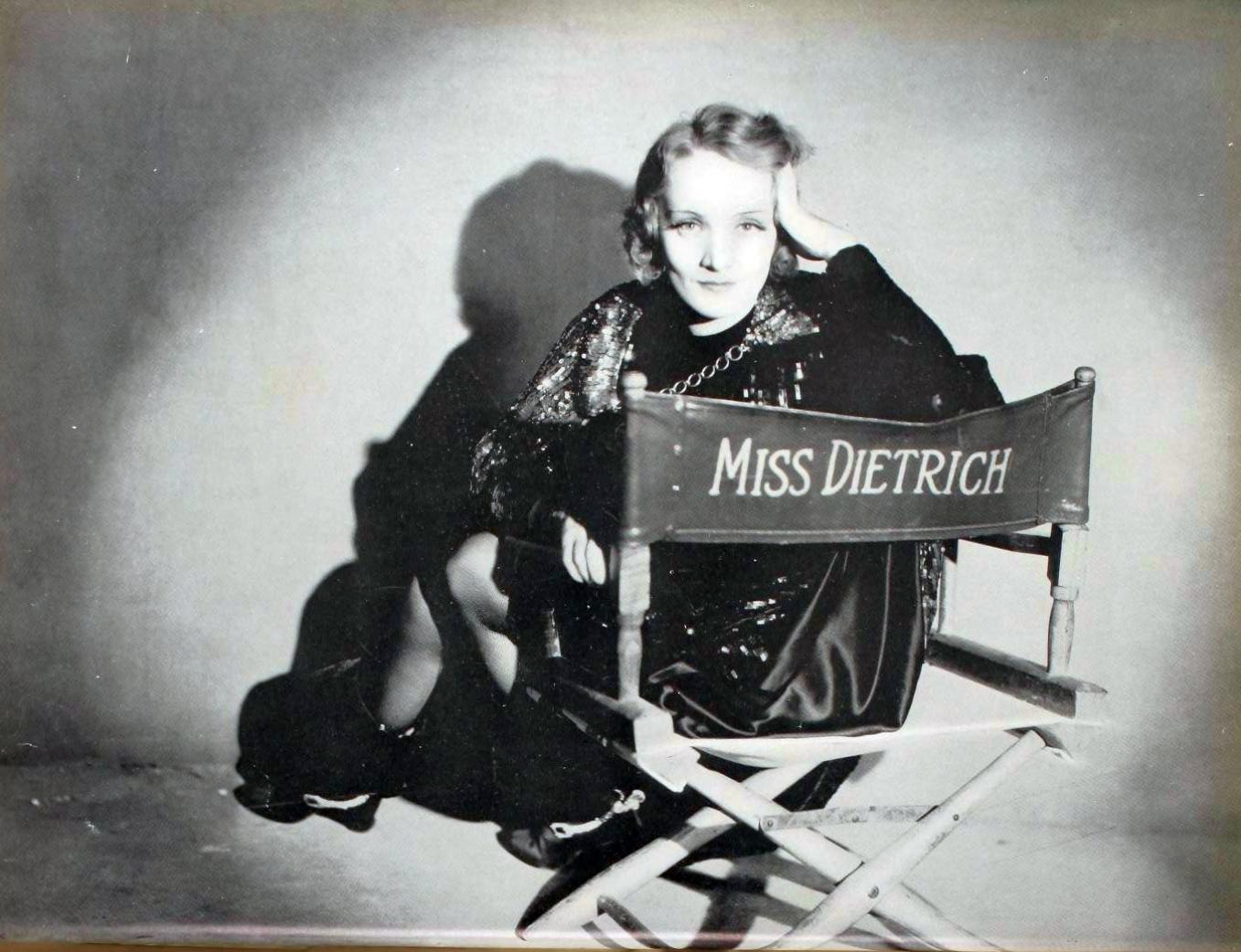 marlene dietrich 1931-32 paramount pressbook 00a