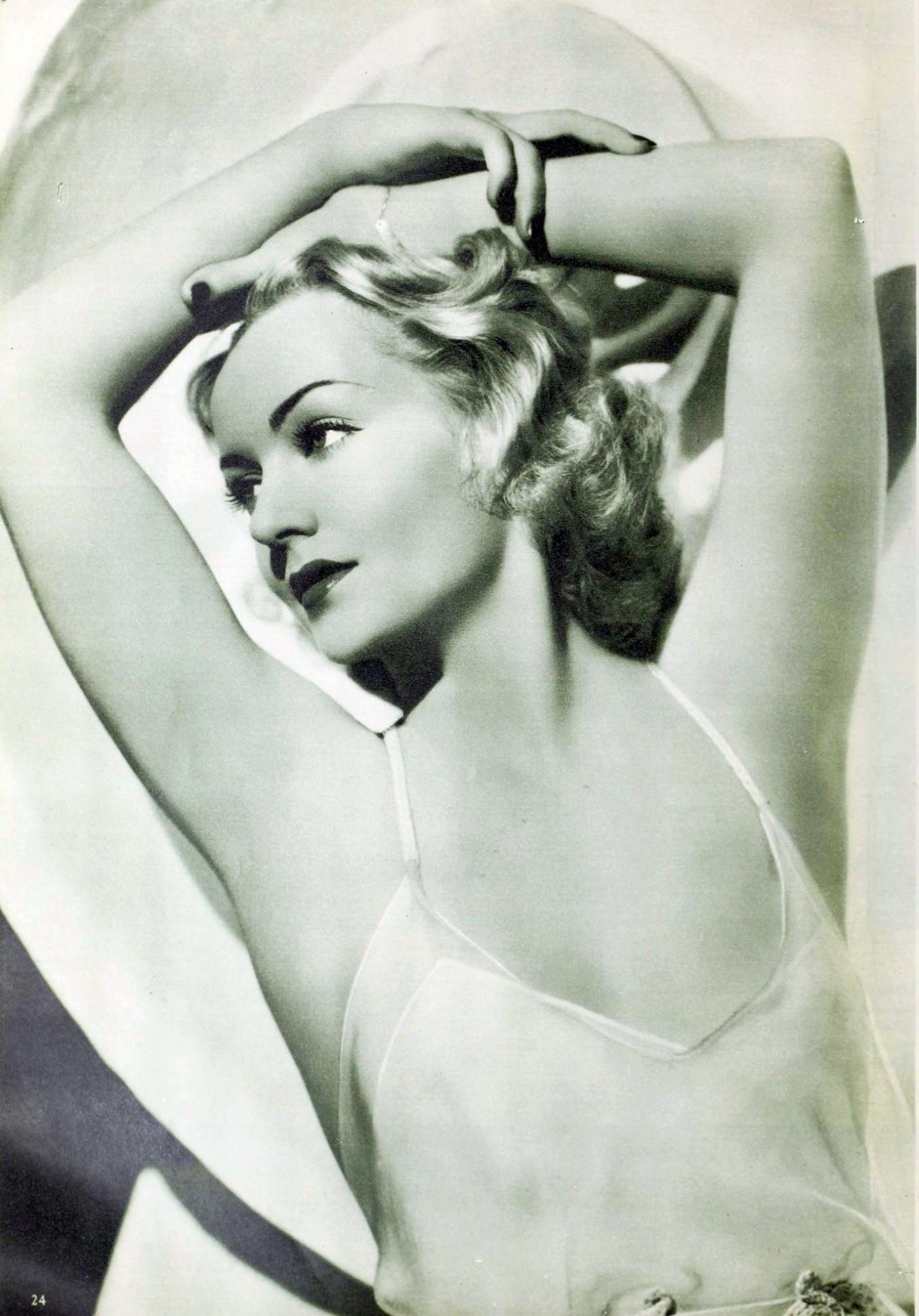 carole lombard picture play september 1935aa