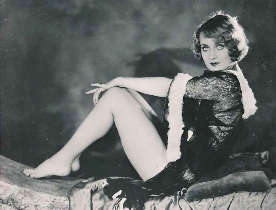 Glamorous, sexy...and cheap - Carole & Co.