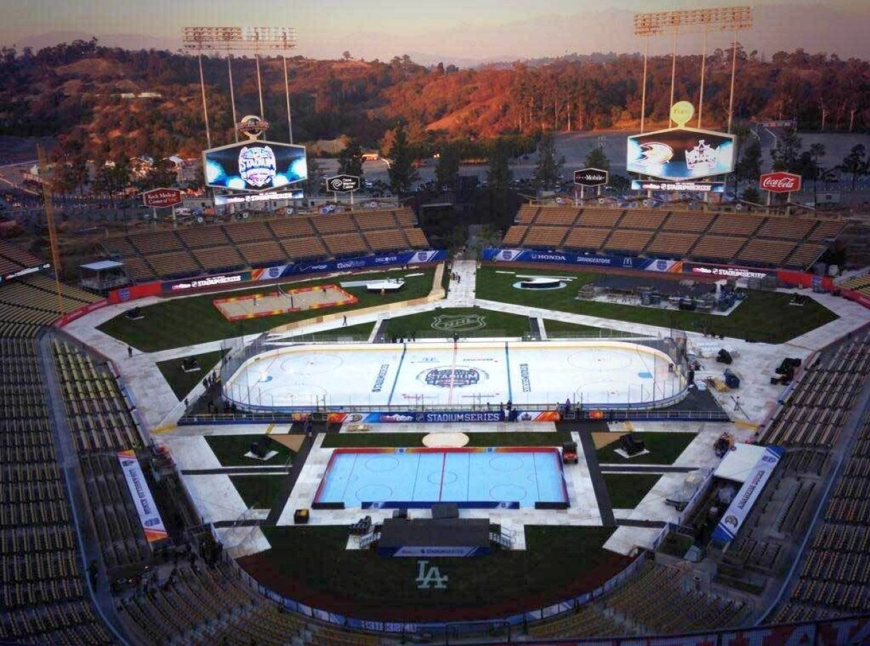 los angeles dodger stadium rink for 2014 kings ducks game 00a