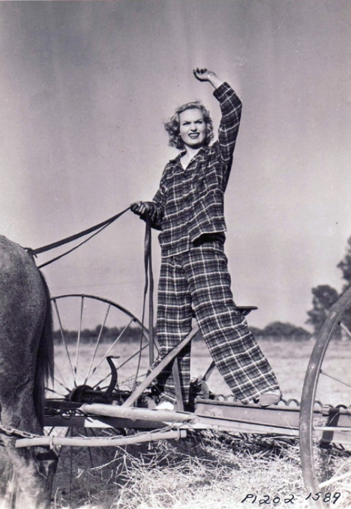 carole lombard p1202-1589a front