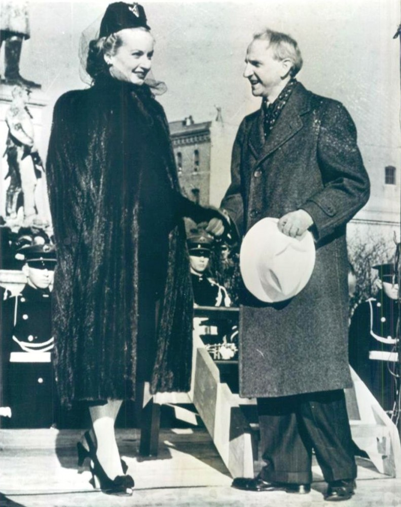 carole lombard 011542 with indiana gov 01b front