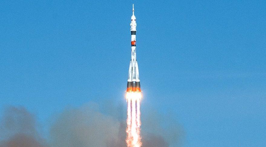 Кто из космонавтов станет третьим лишним или НАСА меняет Драгон на Союз ???