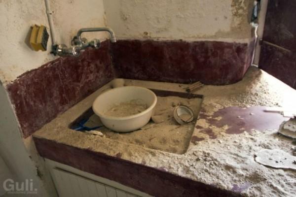 abandoned_hostel_08