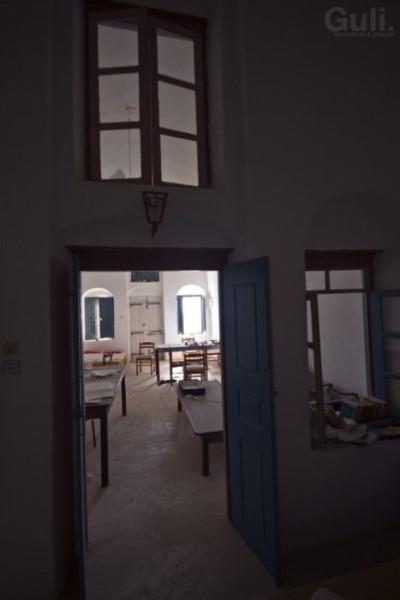 abandoned_hostel_11