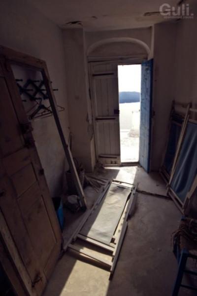 abandoned_hostel_16