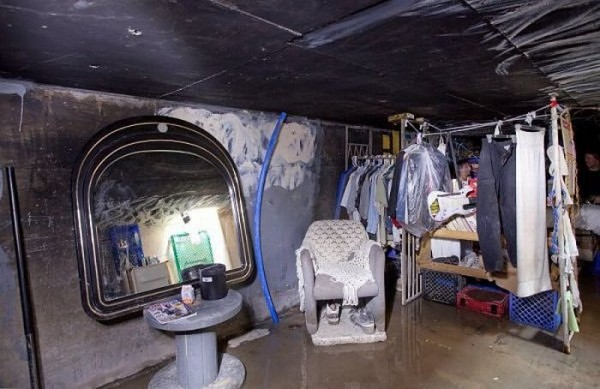 living_in_undeground_tunnels_of_las_vegas_10