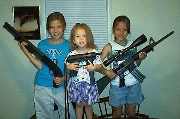 idiots_with_guns_05