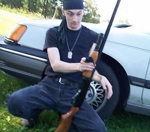 idiots_with_guns_08