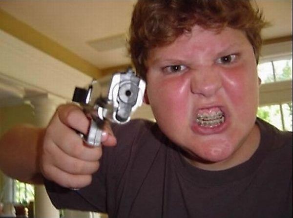 idiots_with_guns_12