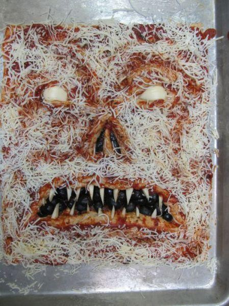 Scary_pizza_02