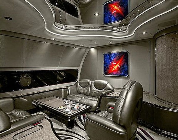 inside_the_planes_04