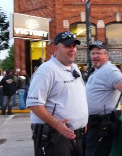 fat_cops_03