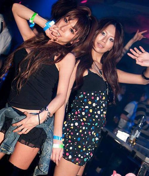 chinese_youth_partying_11