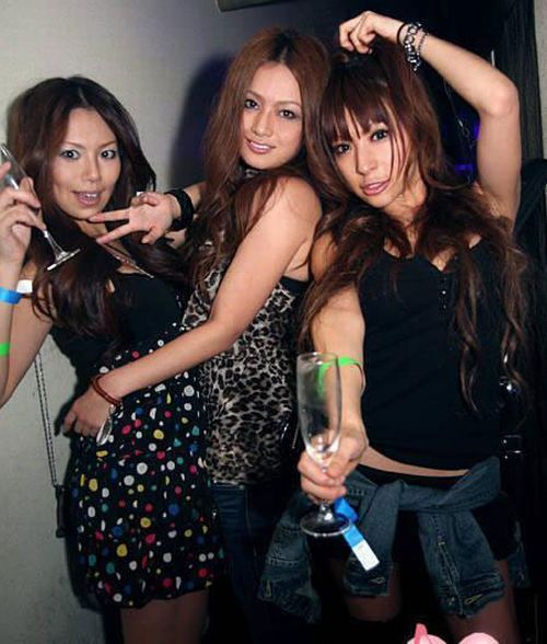 chinese_youth_partying_27