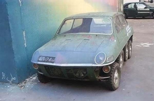 strange_car_02