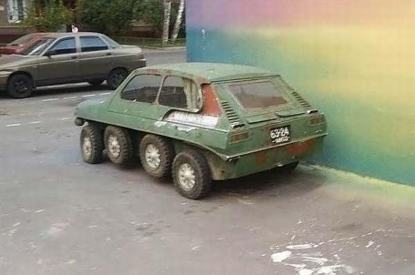 strange_car_03