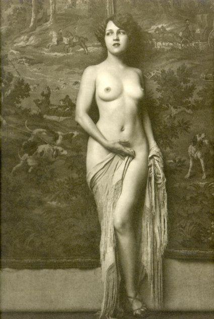 Старые фото голых девушек