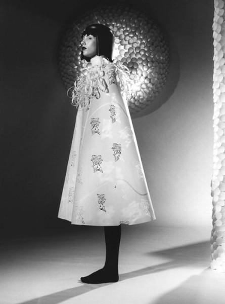 001_jum_nakao_paper_dresses