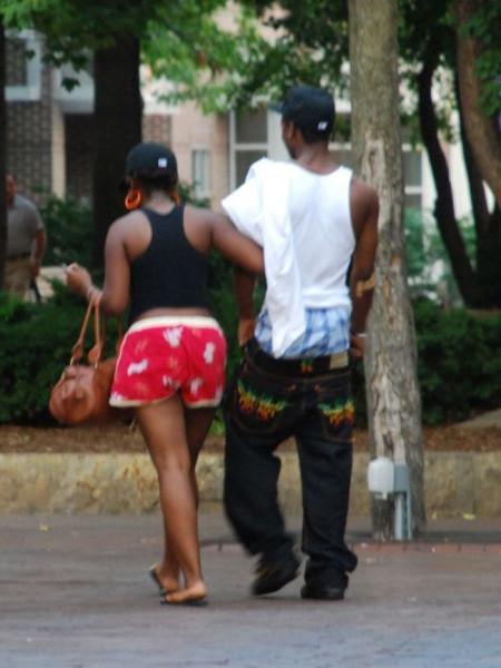 девушки со спушенными штанами фото