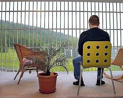 34_ausprison_44215