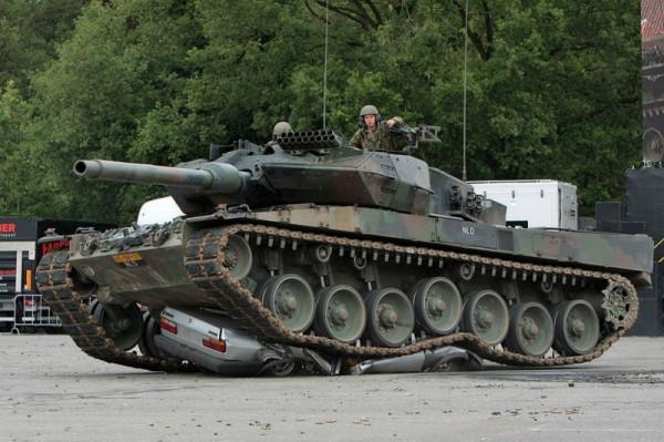 tank003