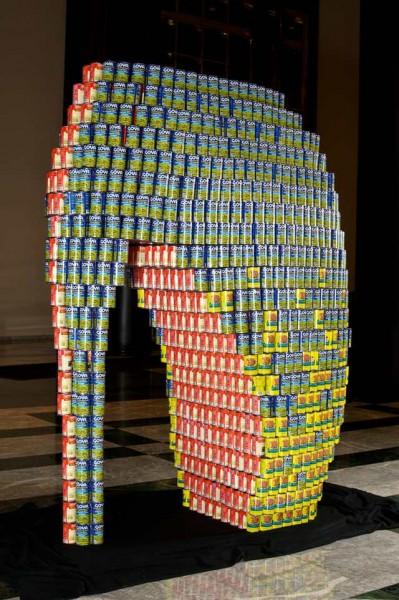 skulptury-iz-konservnih-banok-26