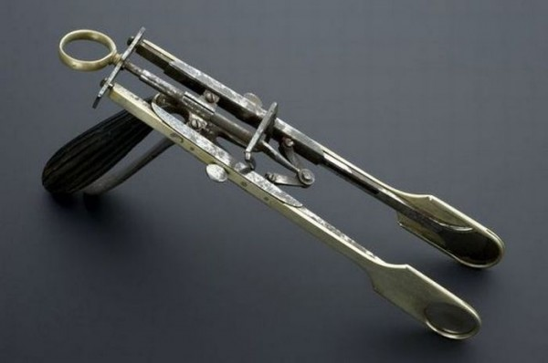 old_surgical_tools_19