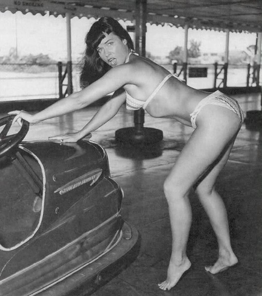 Betty_Page_08