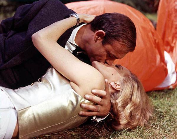 Поцеловать блондинку фото фото 247-579
