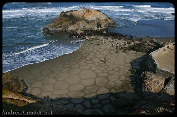 sand-beach-art-andres-amador-1-600x399