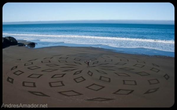sand-beach-art-andres-amador-5-600x375