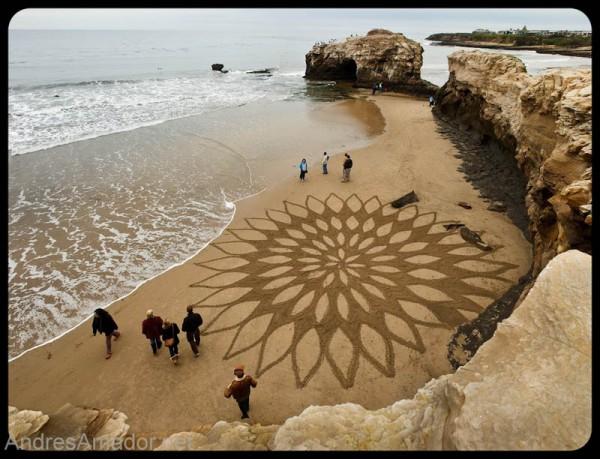 sand-beach-art-andres-amador-11-600x459