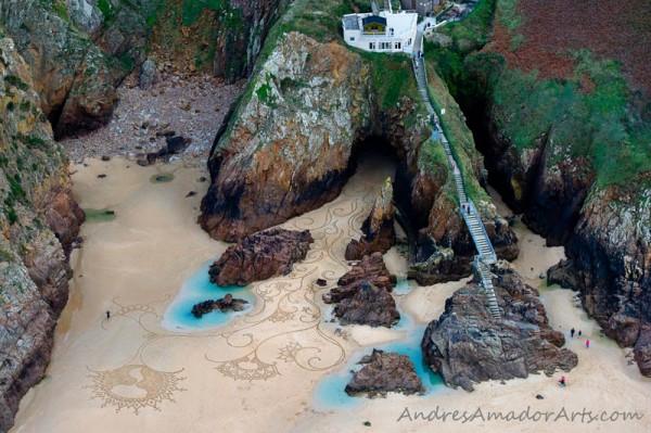 sand-beach-art-andres-amador-14-600x399