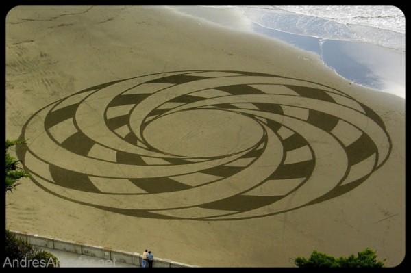 sand-beach-art-andres-amador-17-600x399