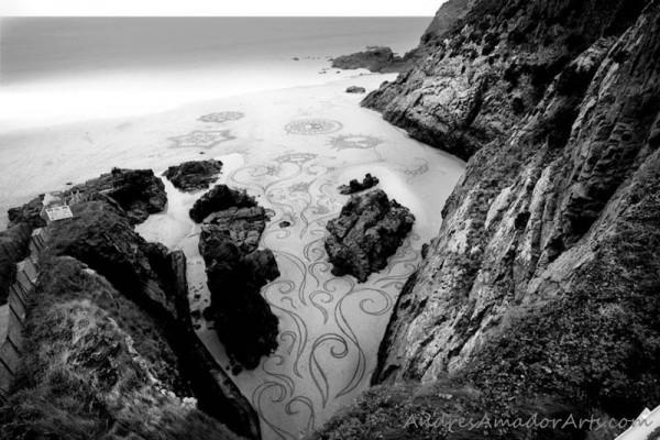 sand-beach-art-andres-amador-21-600x400