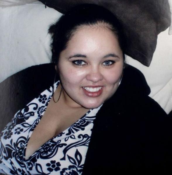 does_she_look_like_angelina_jolie_now_01