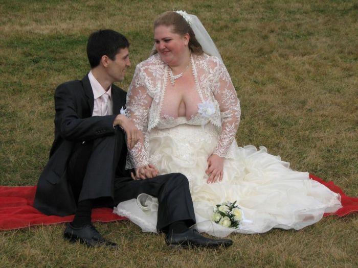 В платье невесты