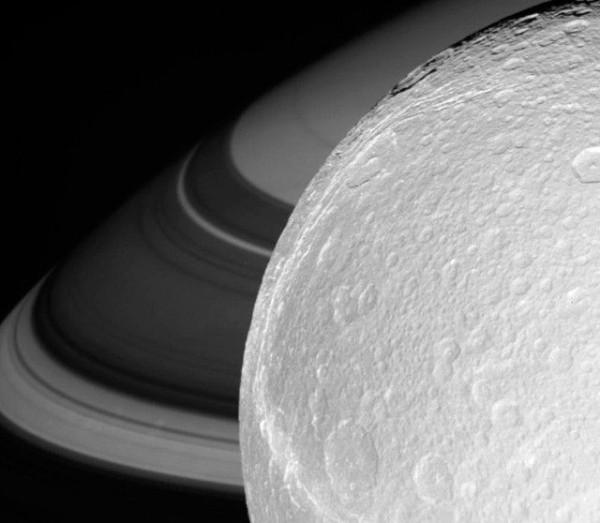 Saturn_32