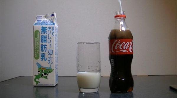 Milk_vs_cola_04