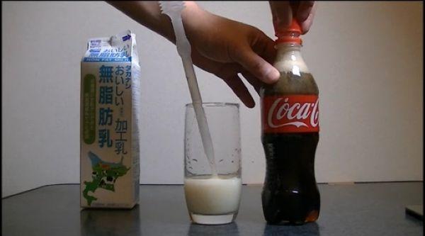 Milk_vs_cola_05