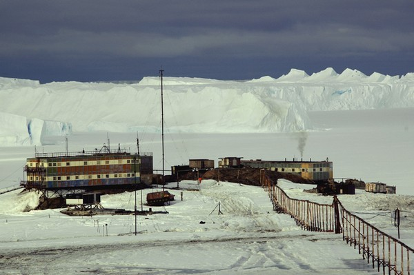 russuain-antarctic-stations-2