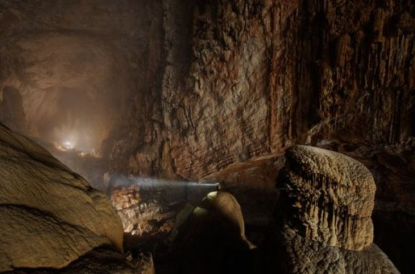 a_bottomless_cave_03