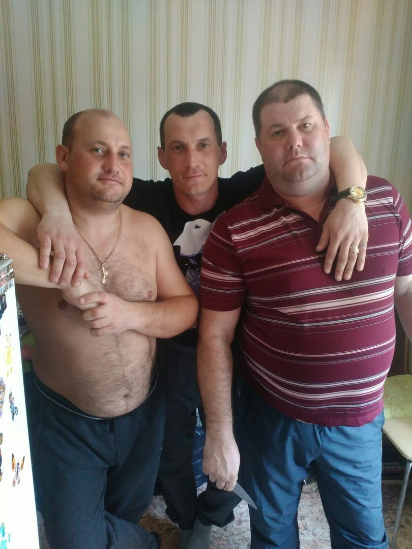 Андрей Мазин (слева) и его братья.