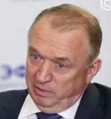 Сергей Катырин (три шарика в кадр не попали).