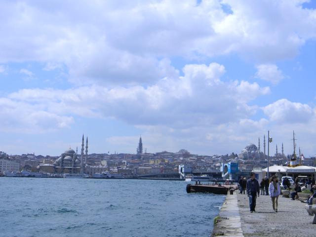 Вид с набережной на Султанахмет