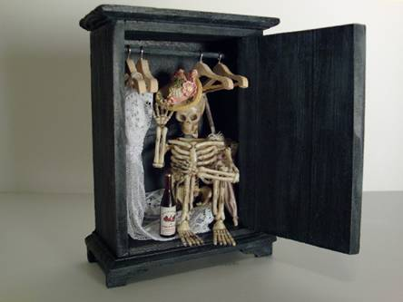 Skeleton-in-the-Closet_clip_image023